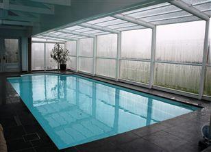 Zwembad kopen zwembad in de tuin polyester zwembad for Polyester zwembad plaatsen